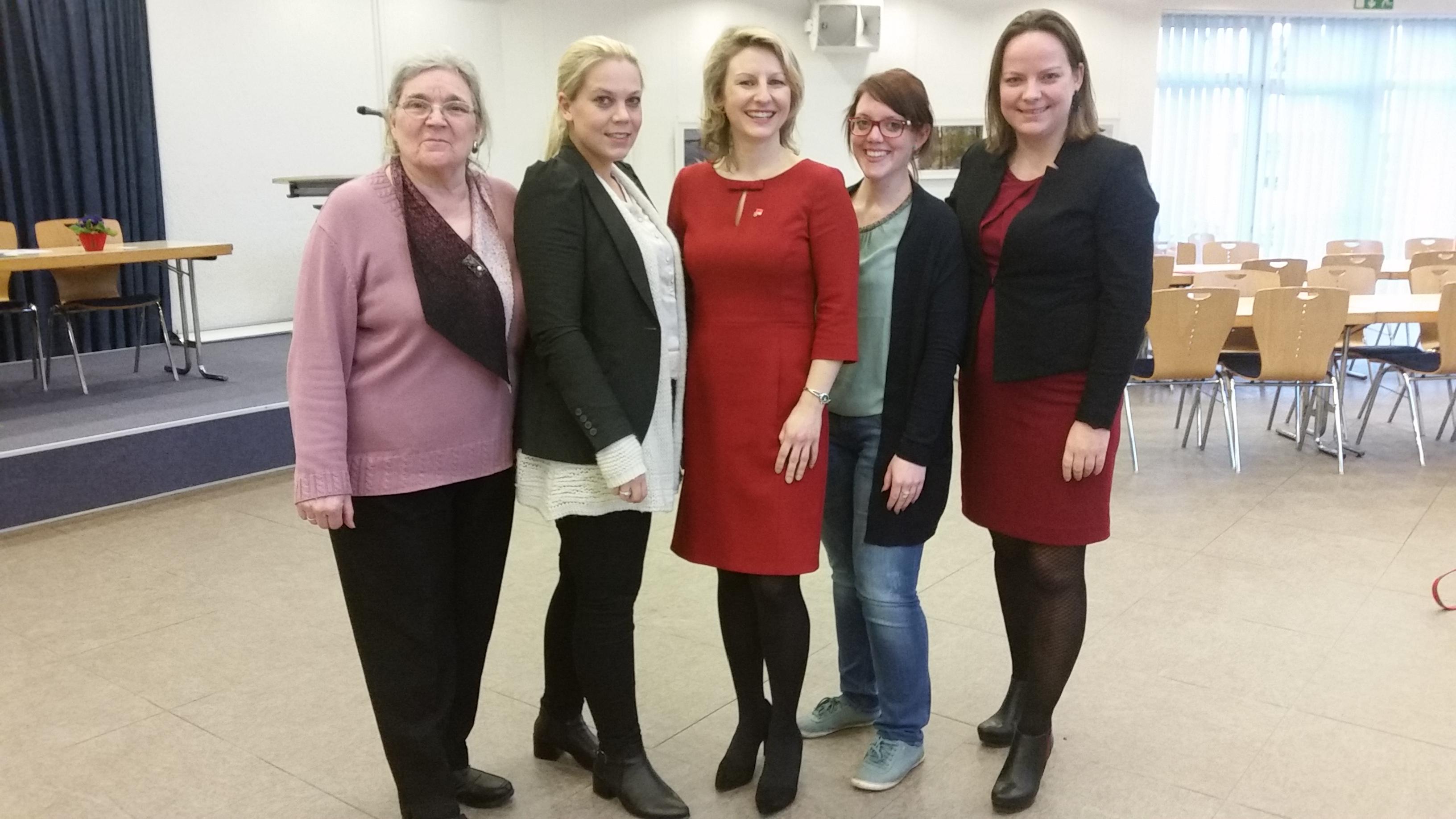 Delegierte Landeskonferenz v.l. Rosita Przybylski, Yvonne Mees, neue Vorsitzende Daniela Jansen, Sandra Niedermeier und Janine Köster (G. Keutgen-Bartosch fehlt auf d. Foto).