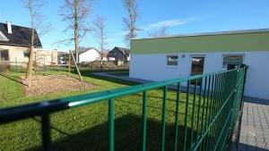 Die Kindertagesstätte im Neubaugebiet Lohmühlenstraße verfügt bereits über ein Außenspielgelände, dessen Nutzung als öffentlichen Spielplatz von den Anwohner allerdings kritisch gesehen wird. Foto: P. Stollenwerk