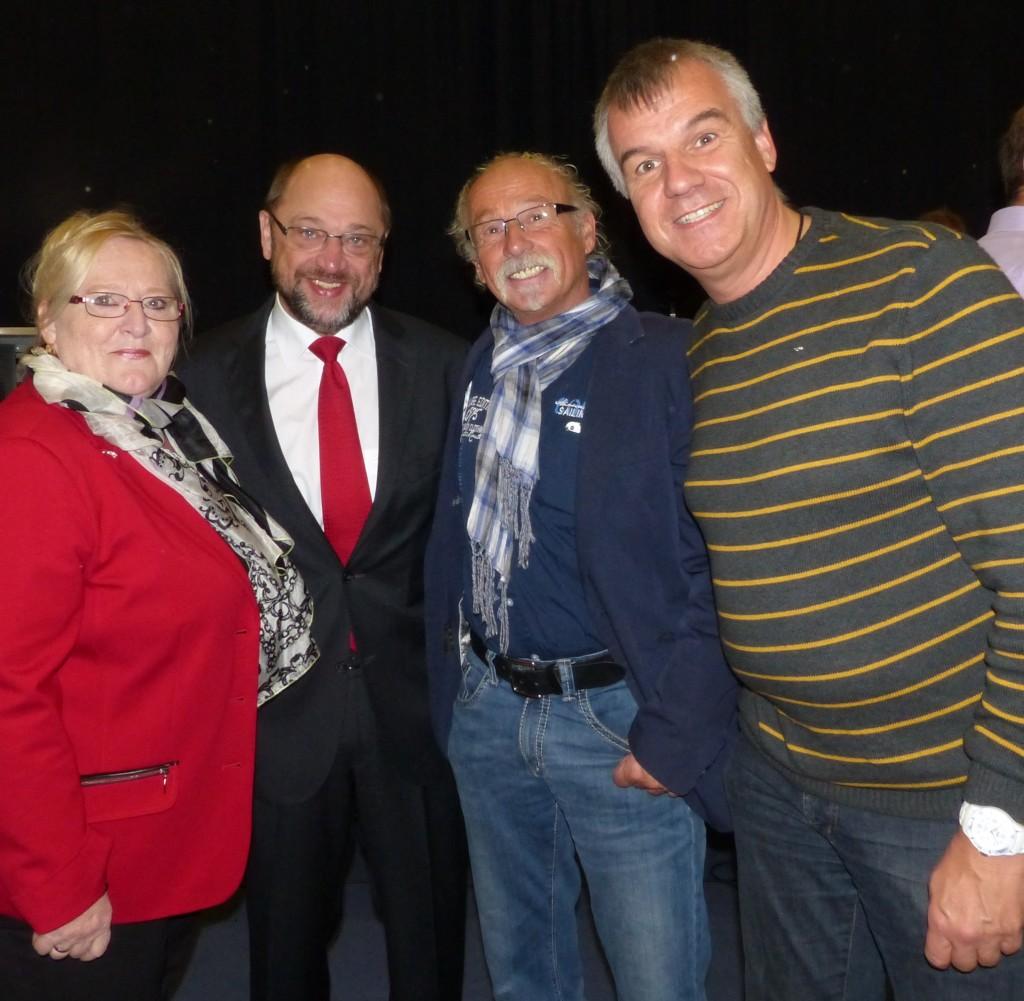 Gaby Keutgen-Bartosch, Norbert Brewer und Stefan Kaever mit Martin Schulz vertraten ihren Gemeindeverband heute auf der Wahlkreiskonferenz.