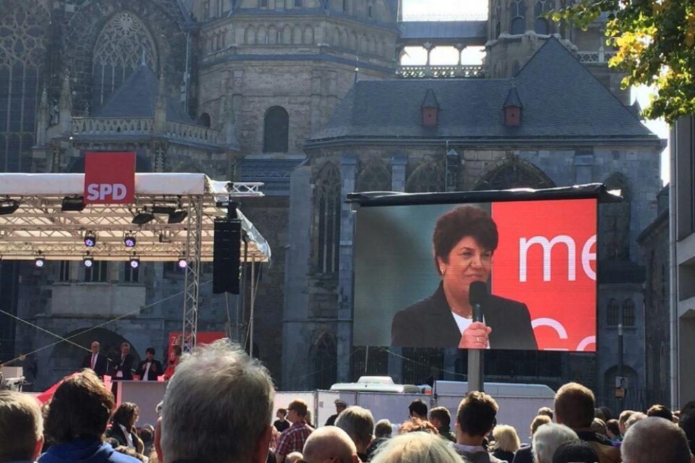 Infostand und die ersten Fotos aus Aachen