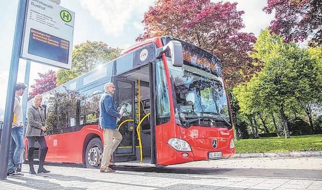 Das Anruf-Linien-Taxi fährt wie ein Linienbus - jedoch nur bei Bedarf und nur noch bis zum 13. Juni. Foto: AVV